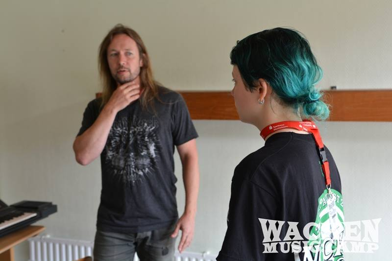 Timo Kotipelto, Sänger der finnischen Metalband STRATOVARIUS ist einer der Gesangscoaches in diesem Jahr